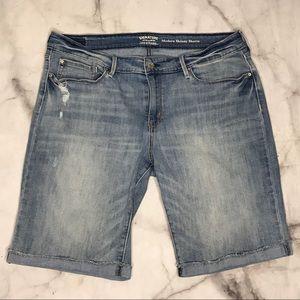 💥 Time & Tru cuffed cutoff jean shorts 18